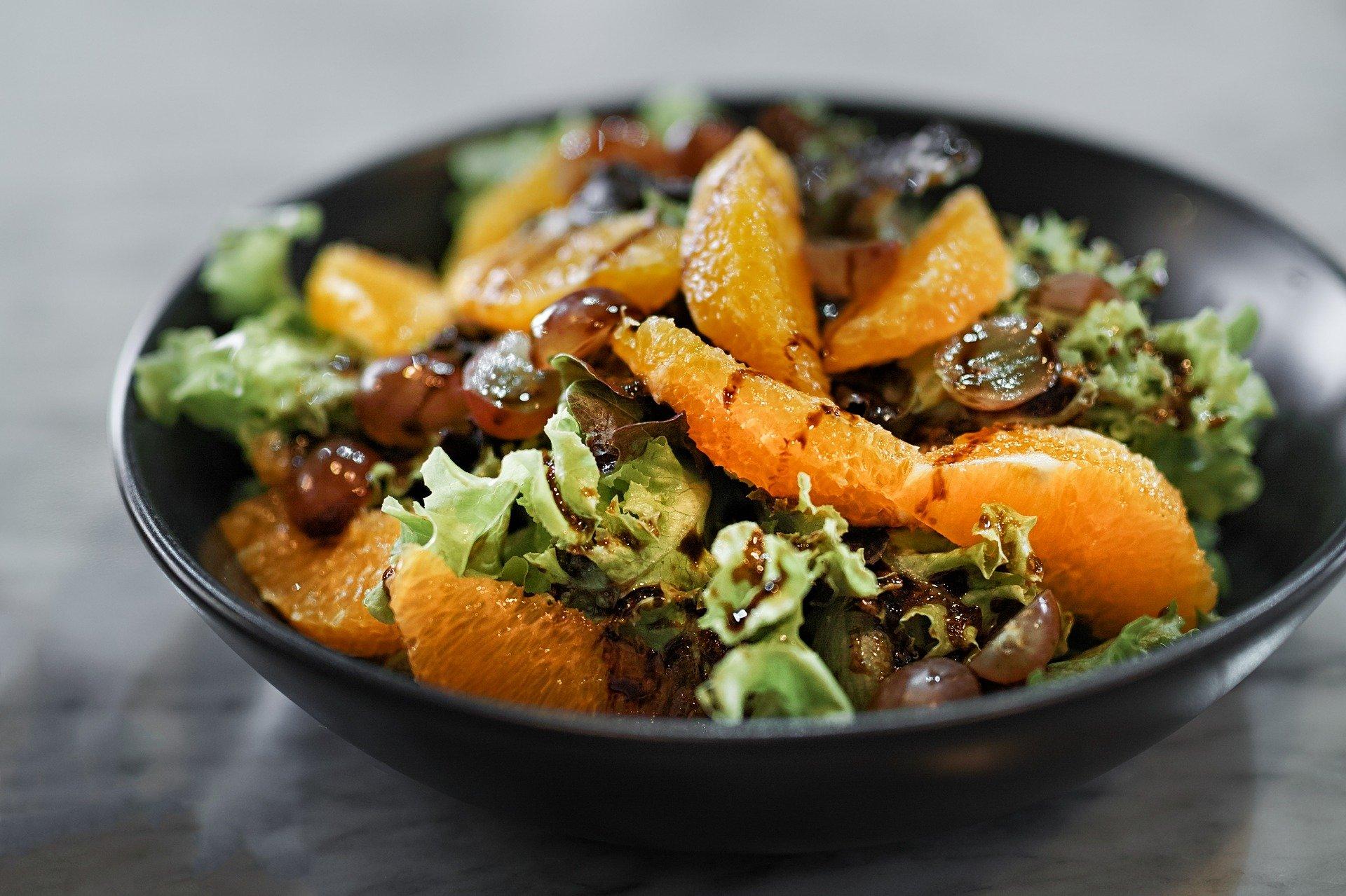 insalata di spinaci arance e noci