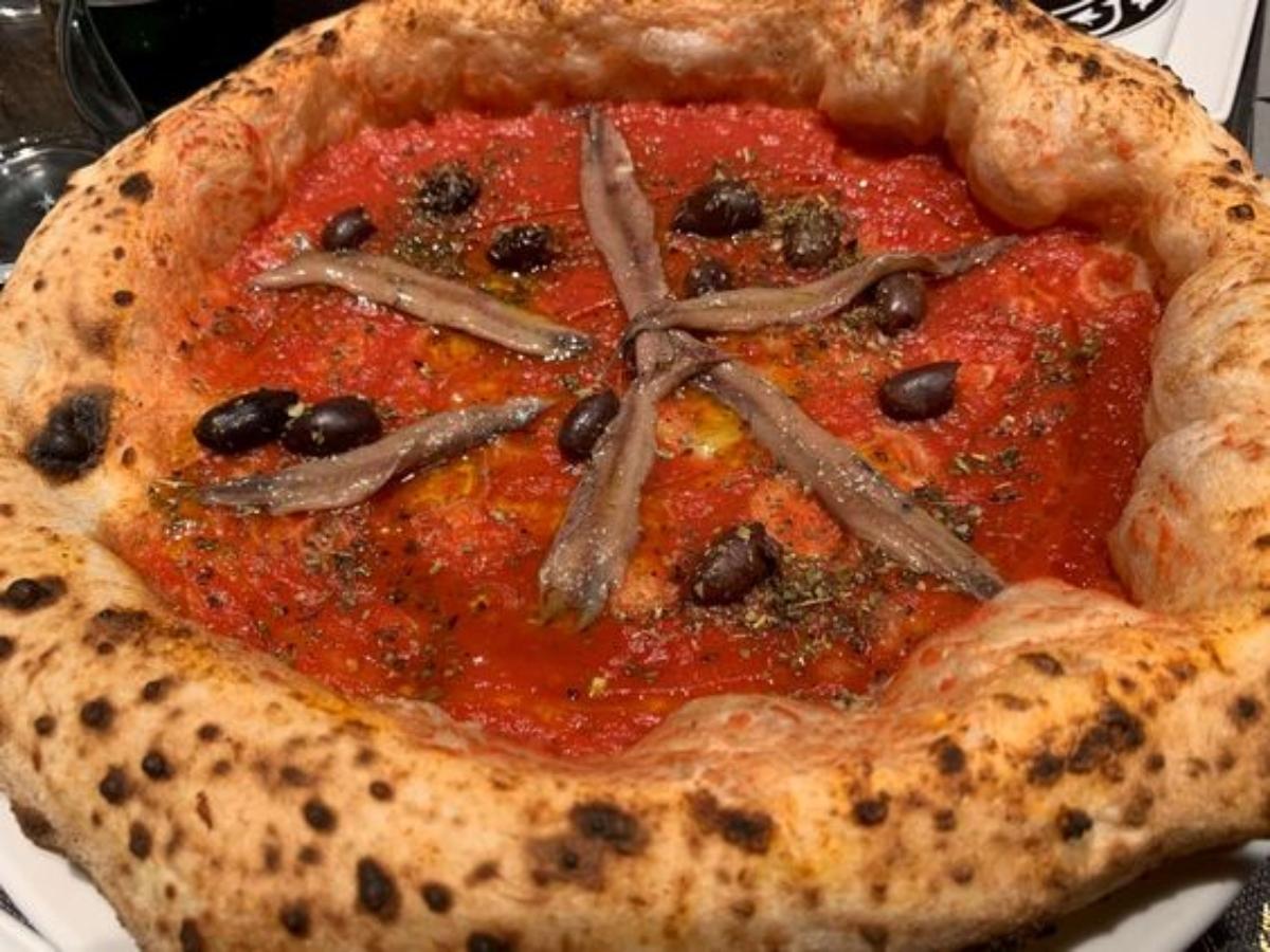 pizza marinara con acciughe