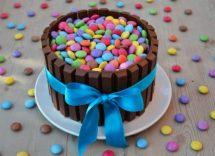 torta kit kat e smarties ricetta