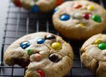 biscotti arlecchino con smarties
