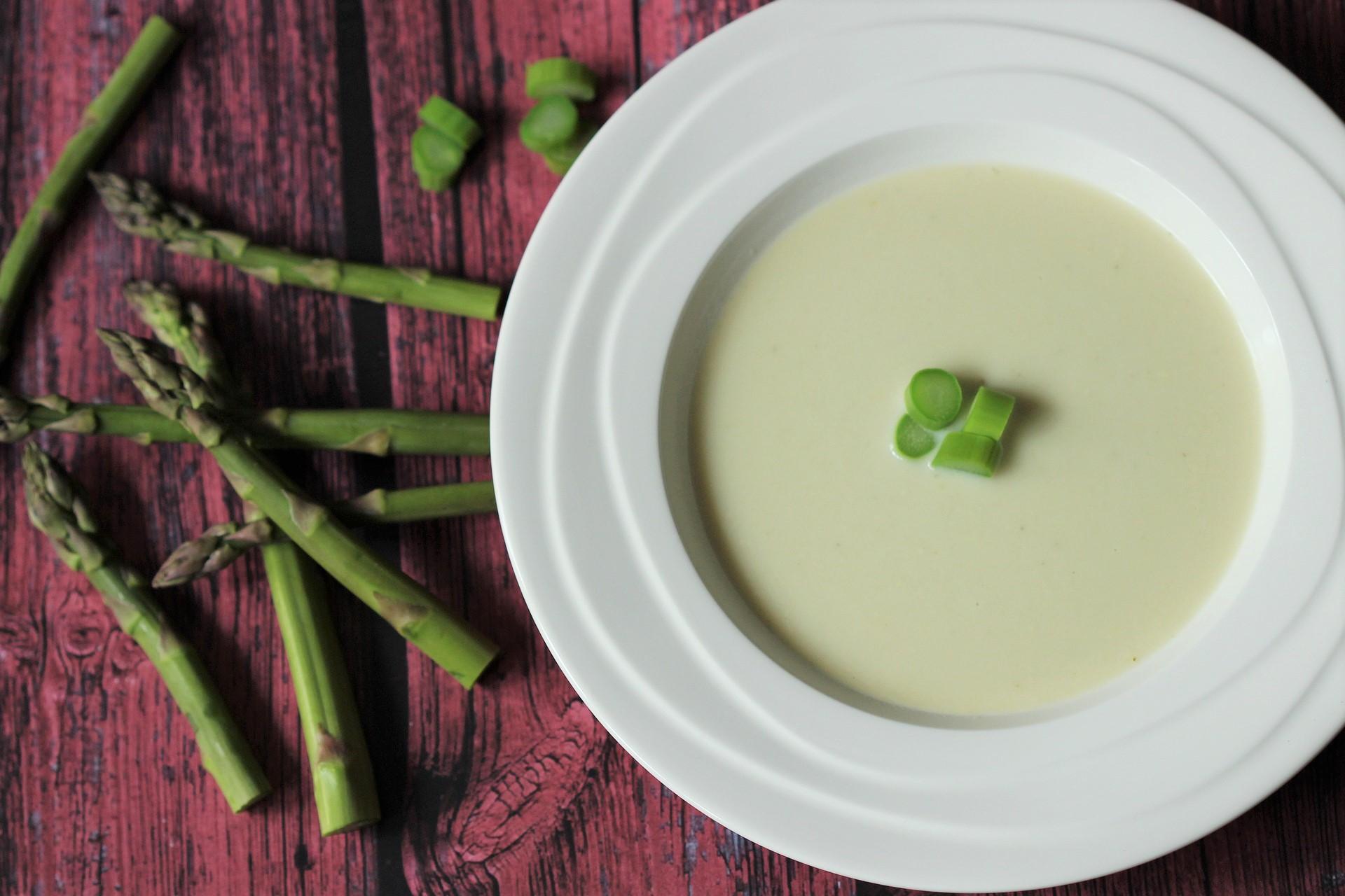 vellutata asparagi e patate senza panna