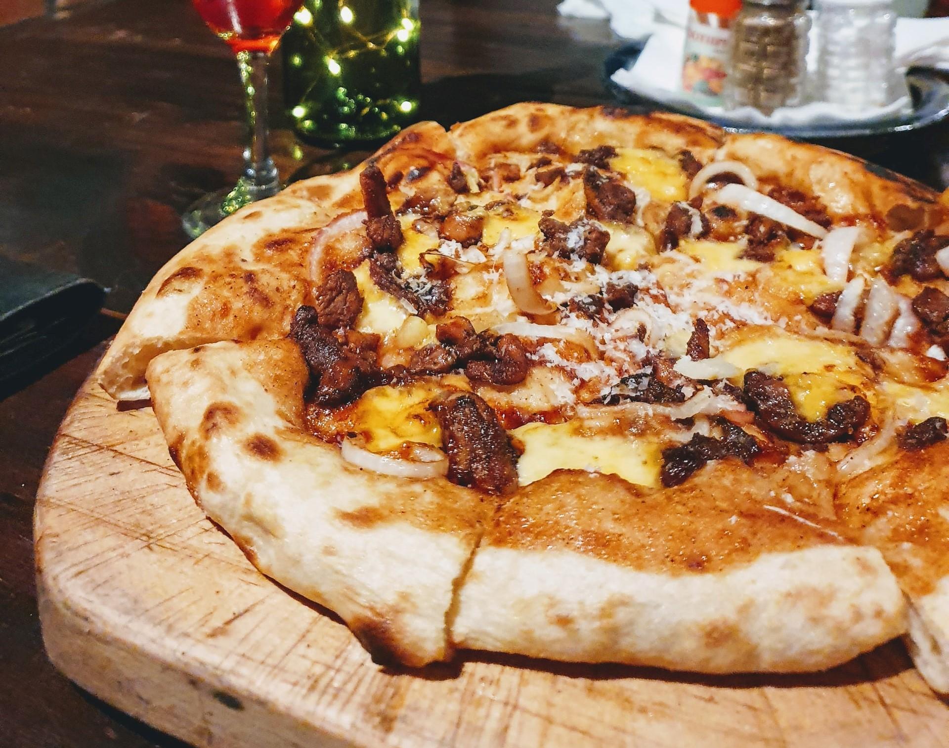 pizza rustica salsiccia e funghi