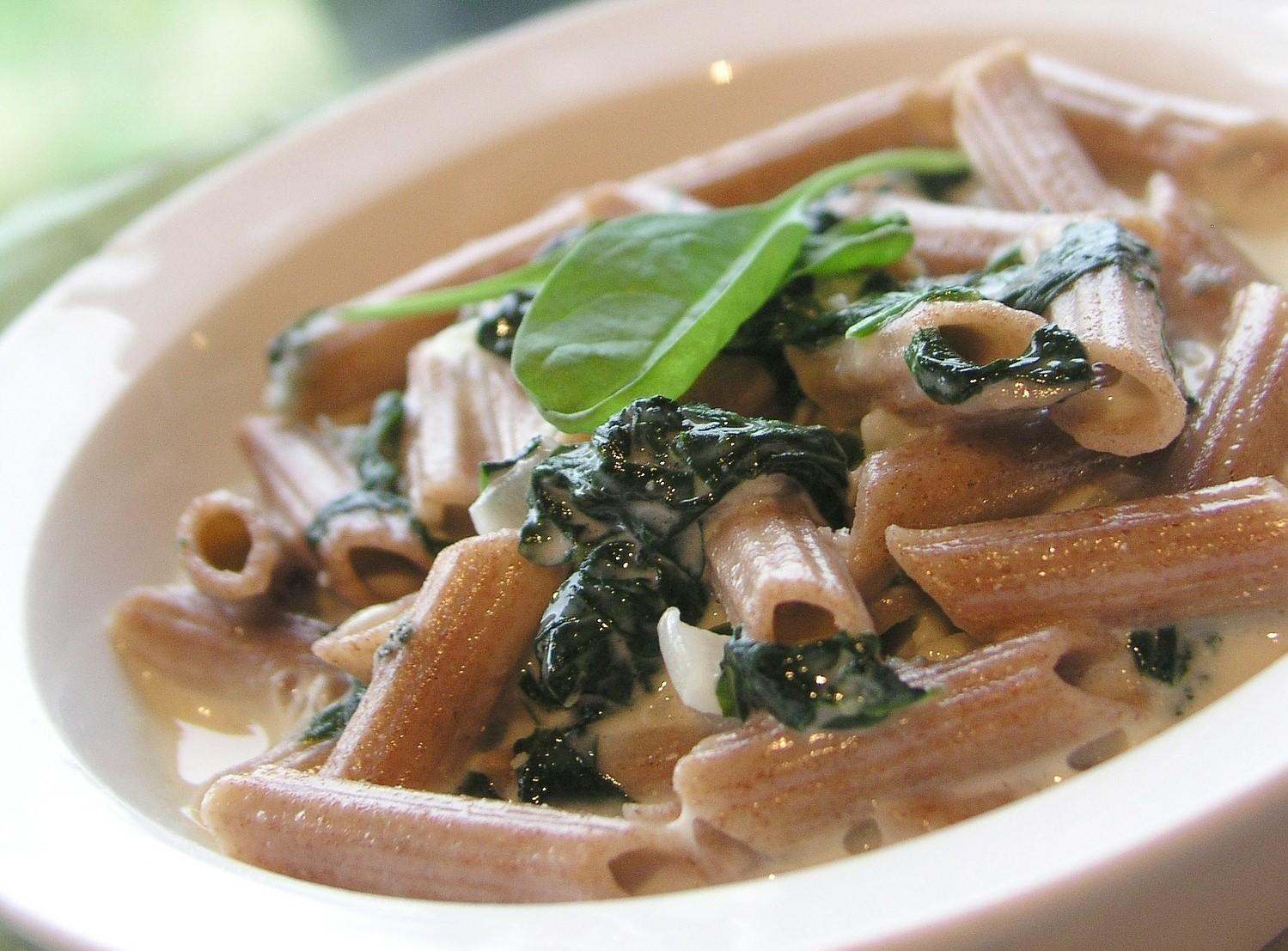 ricetta pasta con spinaci e pancetta