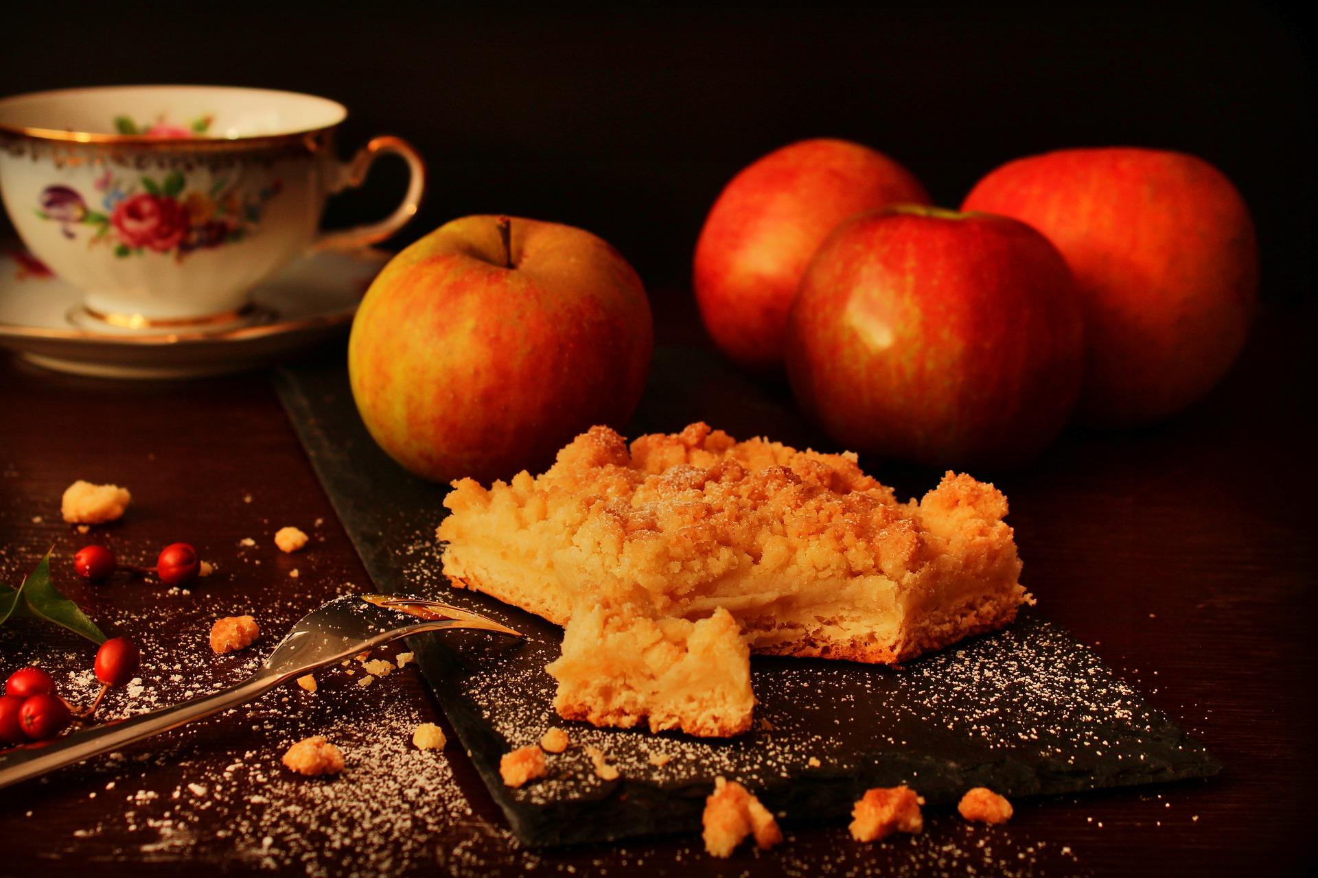 torta di mele e amaretti ricetta