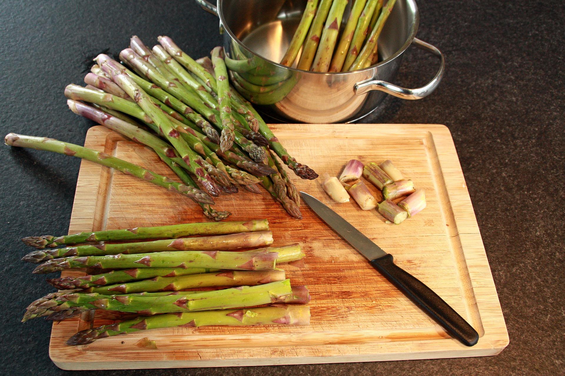Pasta con asparagi ricotta
