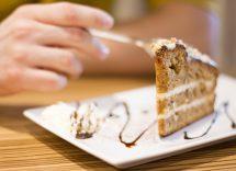 Torta cremosa al caffè e amaretti: dessert soffice e aromatico