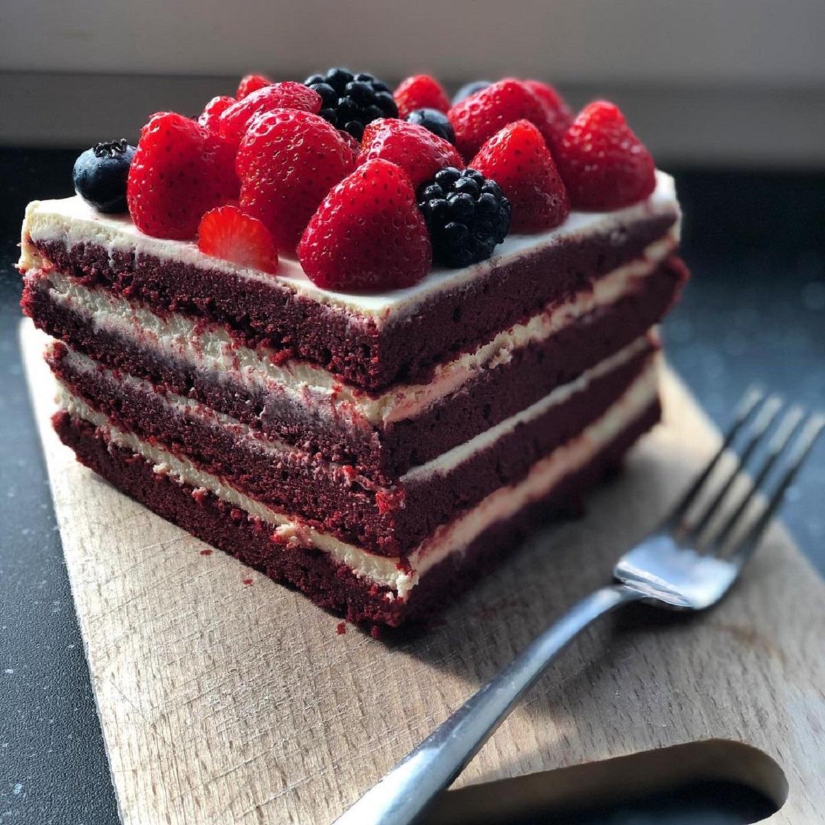 Cheesecake con biscotti senza cottura e crema