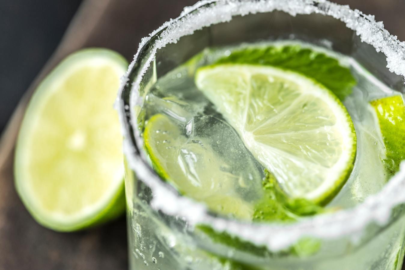 Gimlet cocktail: la ricetta originale del drink estivo al lime