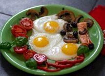 Brunch con funghi, uova