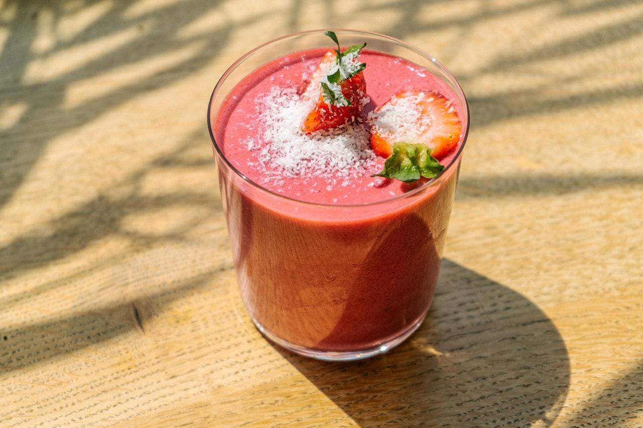 Mousse di fragole veloce: cremosa e semplice