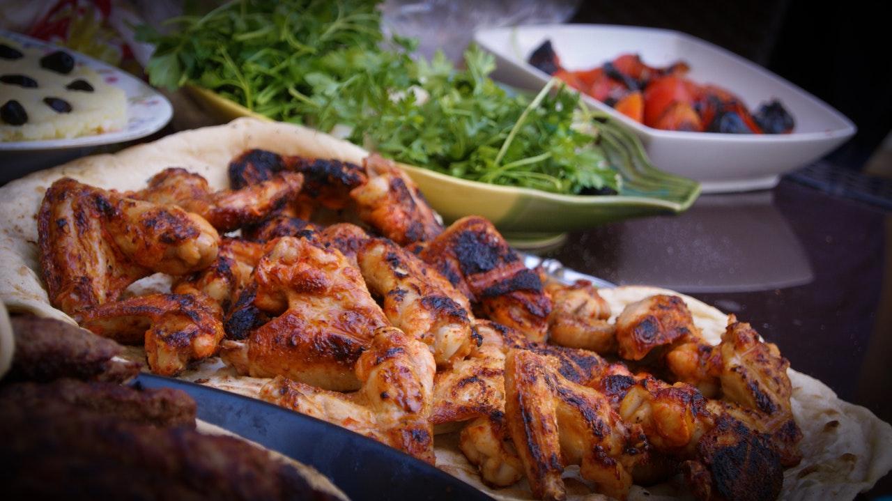 Pollo peperoni e mandorle