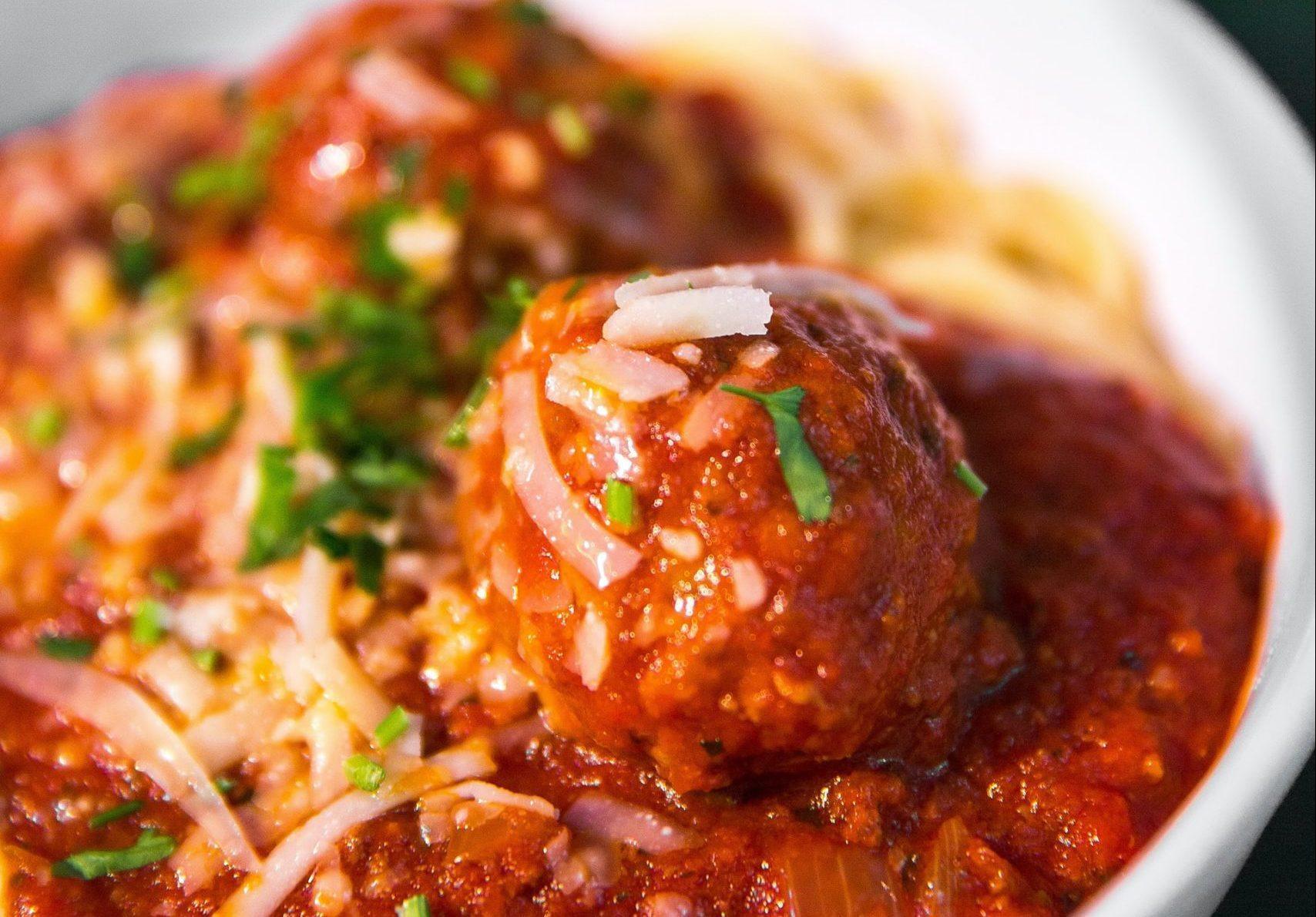 Polpette e pane all'aglio