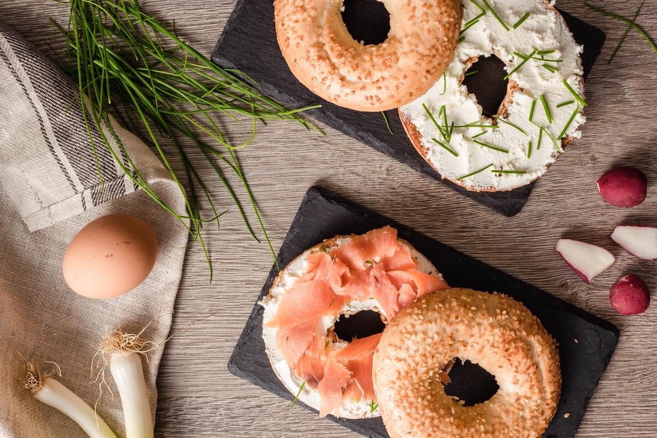 Salmone, uova e cetrioliSalmone, uova e cetrioli