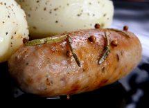salsiccia in umido con patate