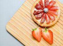 Torta per il tè alle fragole: cremosa e delicata