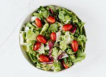 Vasetto di insalata grigliata