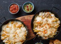 Penne al formaggio e spinaci con crumble di noci