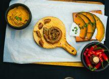 salsicce e pure con salsa di cipolle