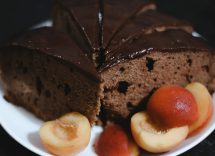 torta vegana cioccolato pesche