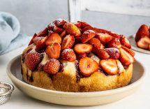 Torta vegana fragole cocco