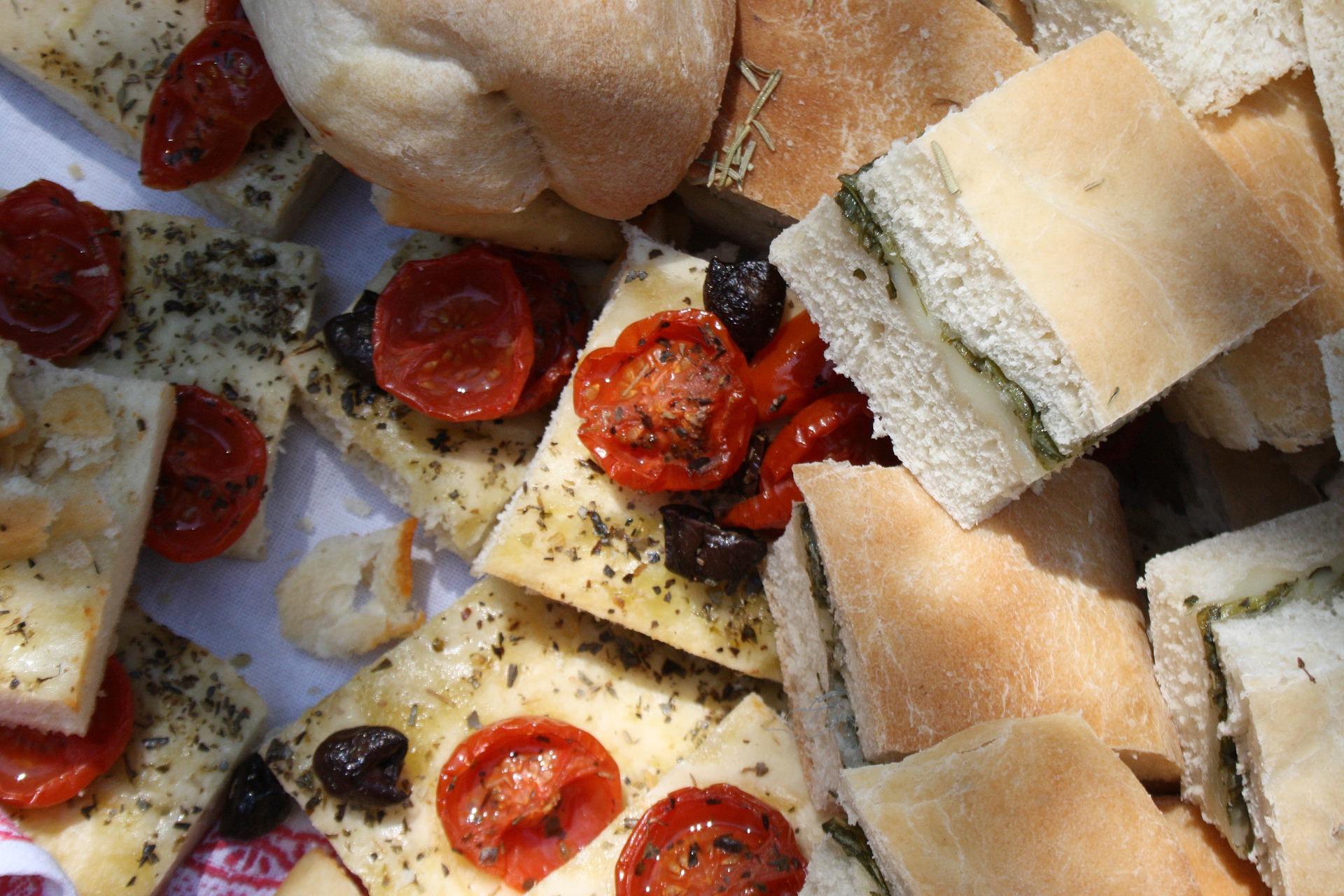 focaccia pomodorini olive senza lievitazione