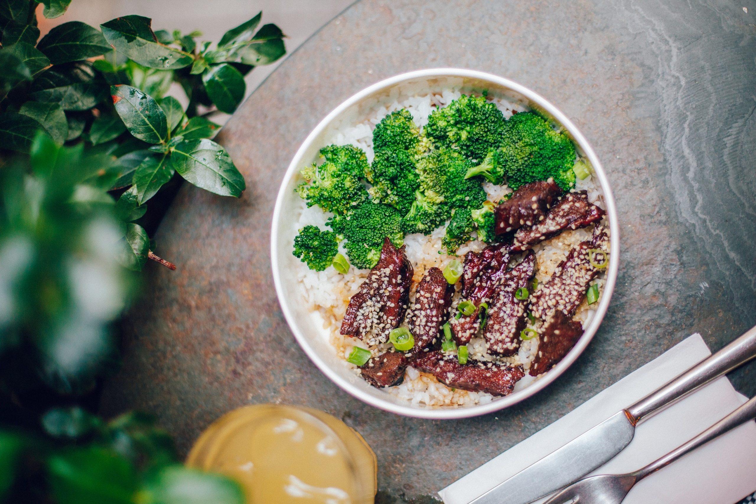 straccetti di manzo con broccoli